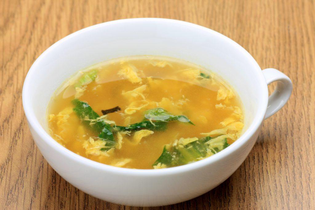 体も心もぽっかぽか!冷凍レタスの中華風スープ